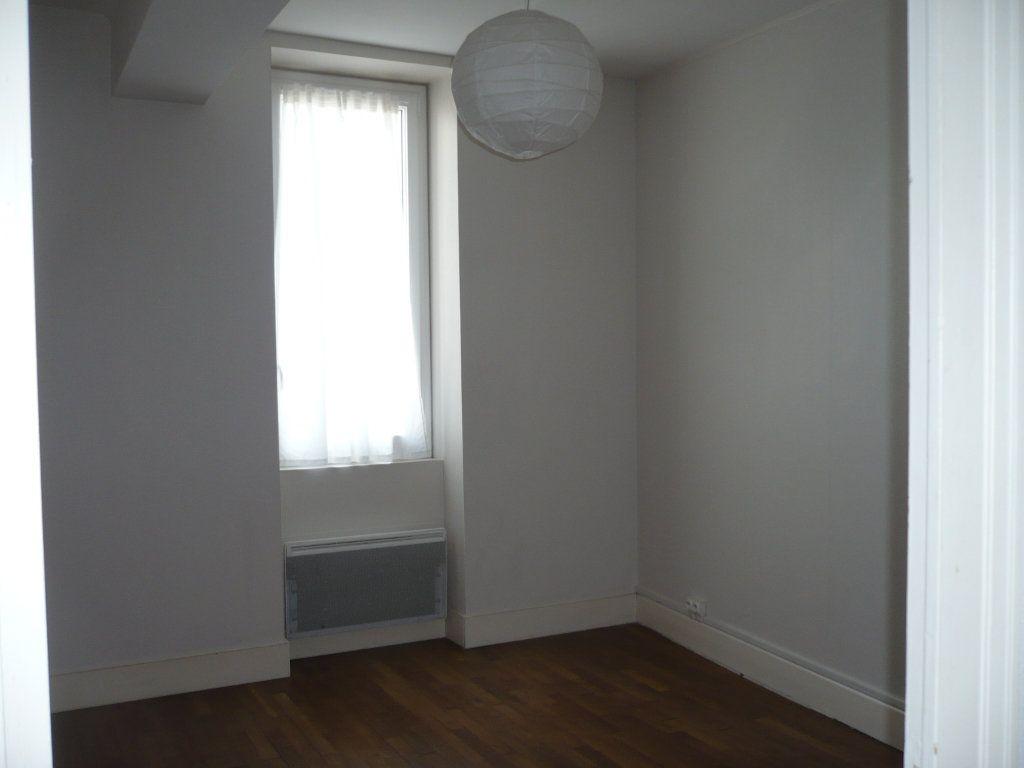 Appartement à louer 2 34m2 à Dijon vignette-4