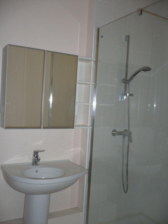 Appartement à louer 2 34m2 à Dijon vignette-5