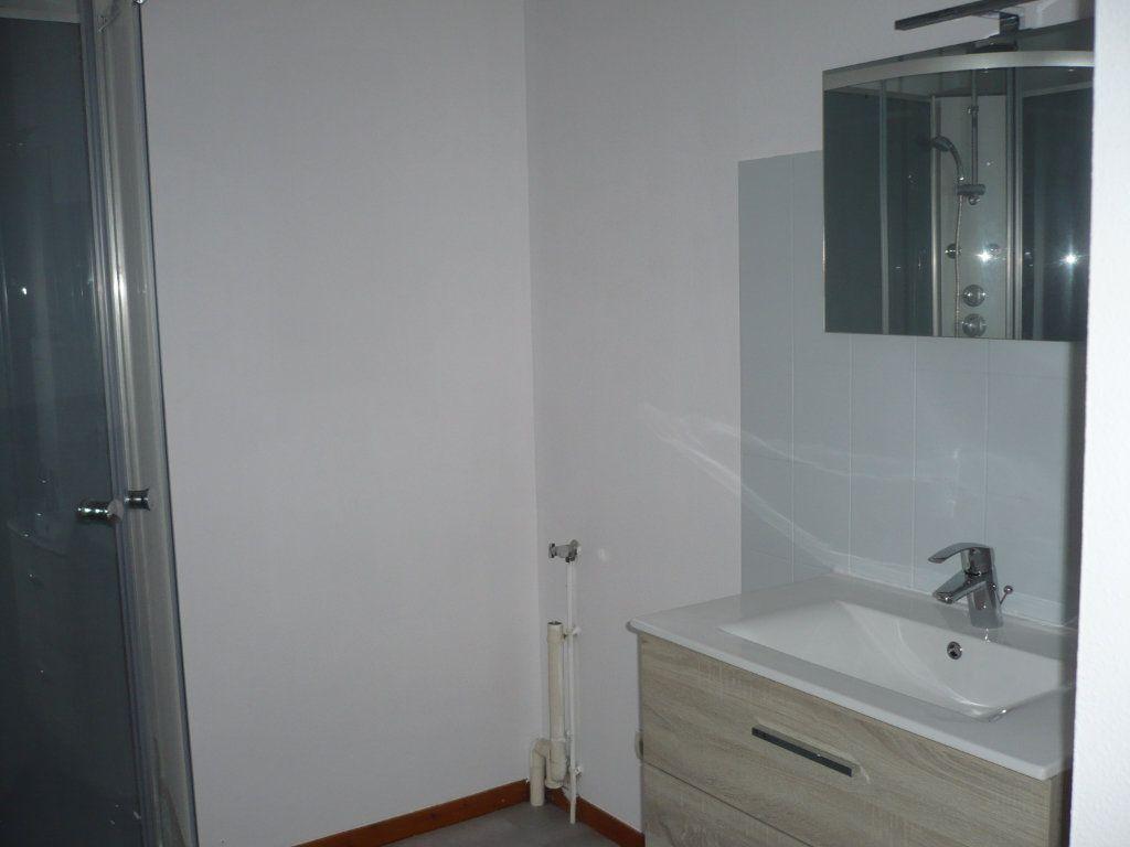 Appartement à louer 2 53.36m2 à Rouvres-en-Plaine vignette-3