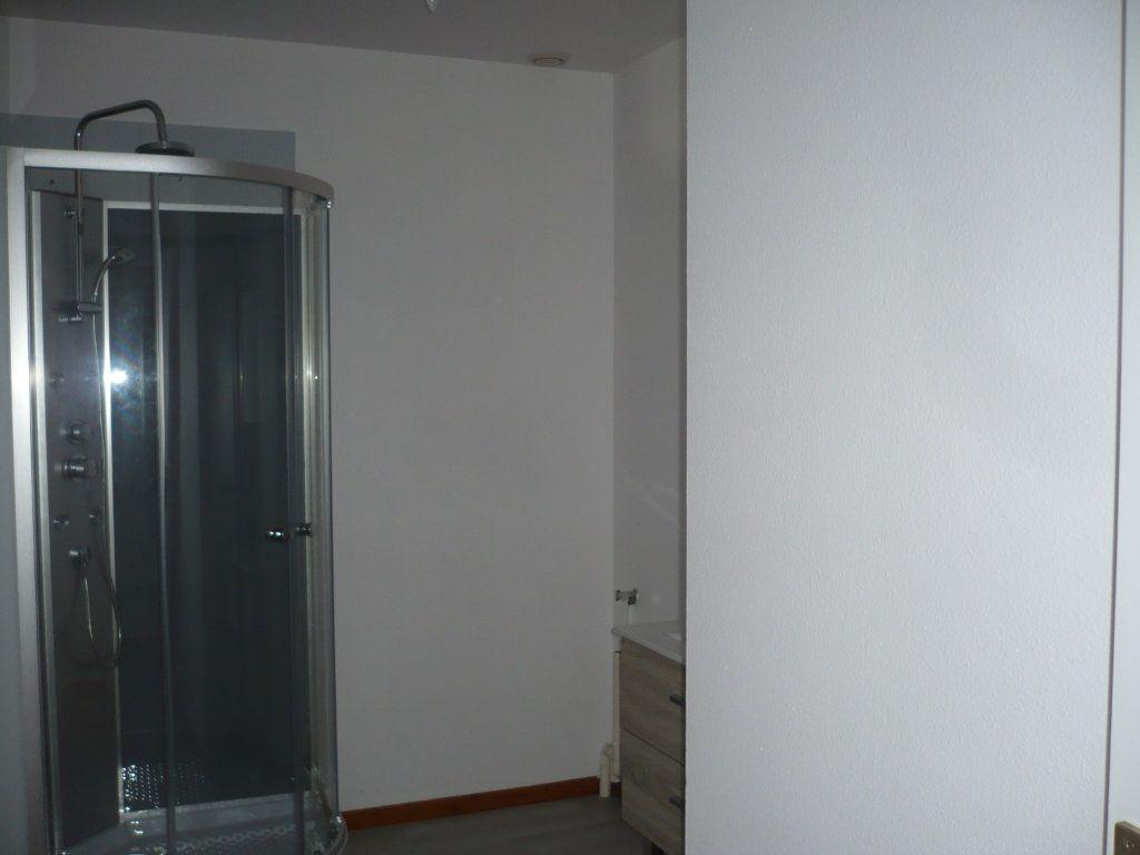 Appartement à louer 2 53.36m2 à Rouvres-en-Plaine vignette-5