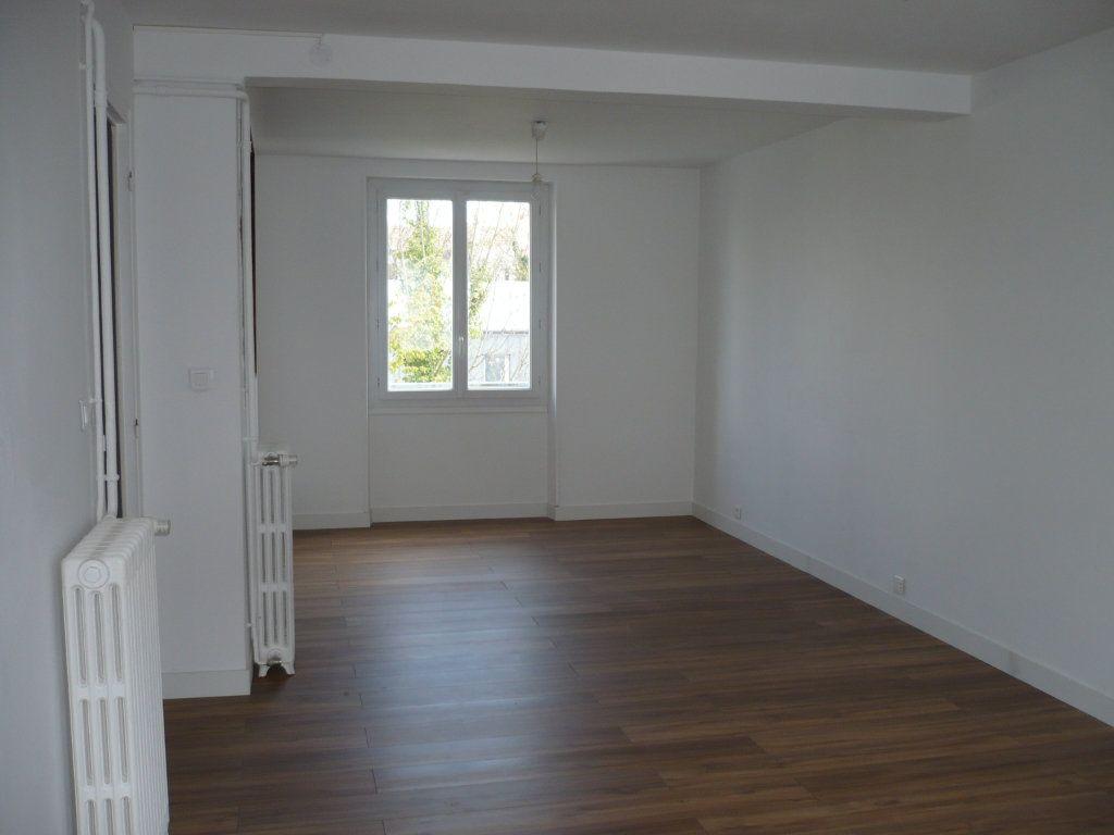 Appartement à louer 3 65m2 à Dijon vignette-2