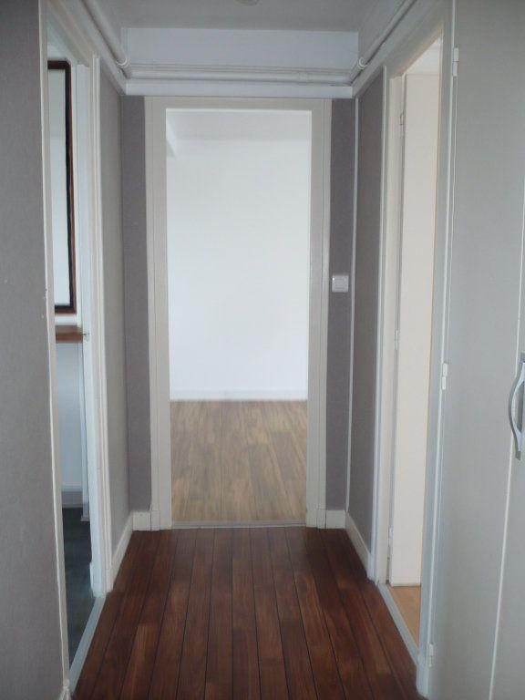 Appartement à louer 3 65m2 à Dijon vignette-3
