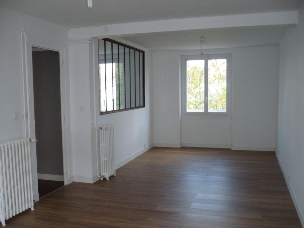Appartement à louer 3 65m2 à Dijon vignette-5