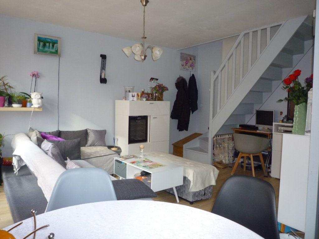 Appartement à vendre 4 67.4m2 à Dijon vignette-1
