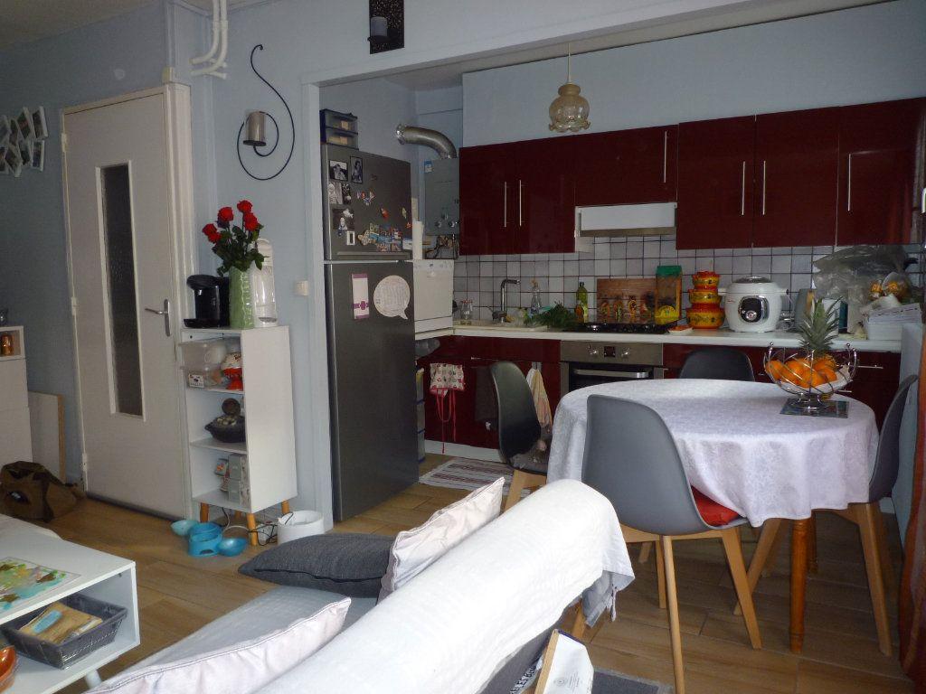 Appartement à vendre 4 67.4m2 à Dijon vignette-3