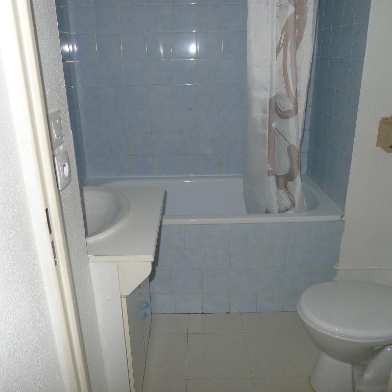 Appartement à louer 1 18m2 à Dijon vignette-7