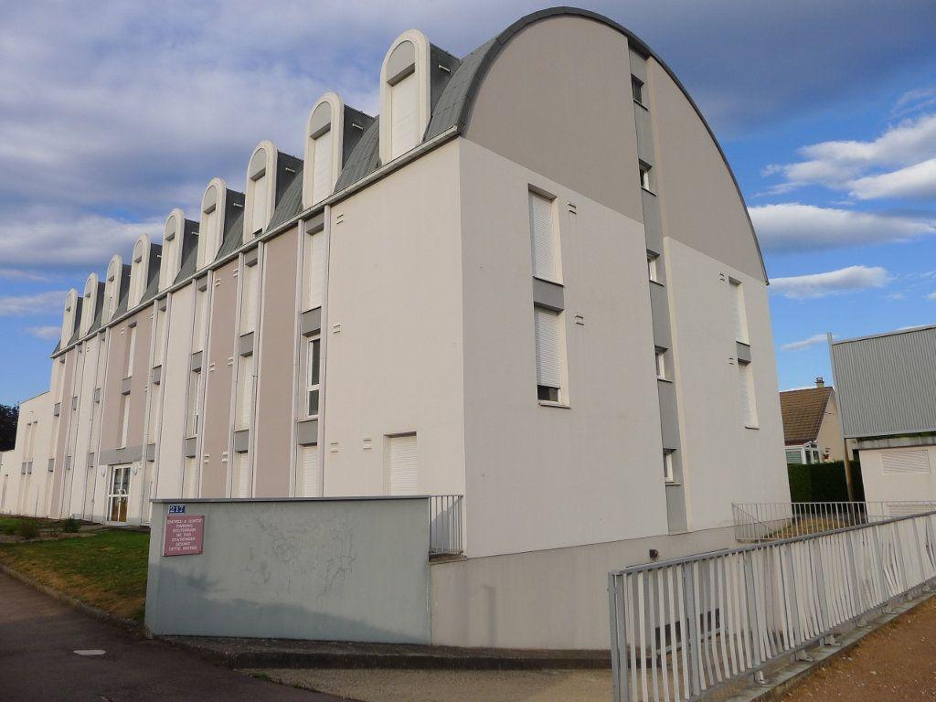 Appartement à louer 2 23m2 à Dijon vignette-1
