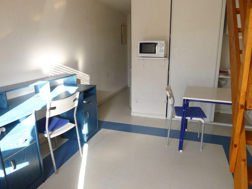 Appartement à louer 2 23m2 à Dijon vignette-4