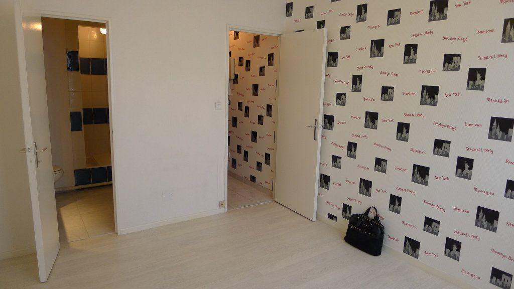 Appartement à louer 1 17.45m2 à Dijon vignette-1