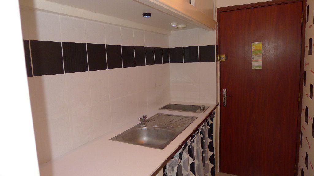 Appartement à louer 1 17.45m2 à Dijon vignette-6