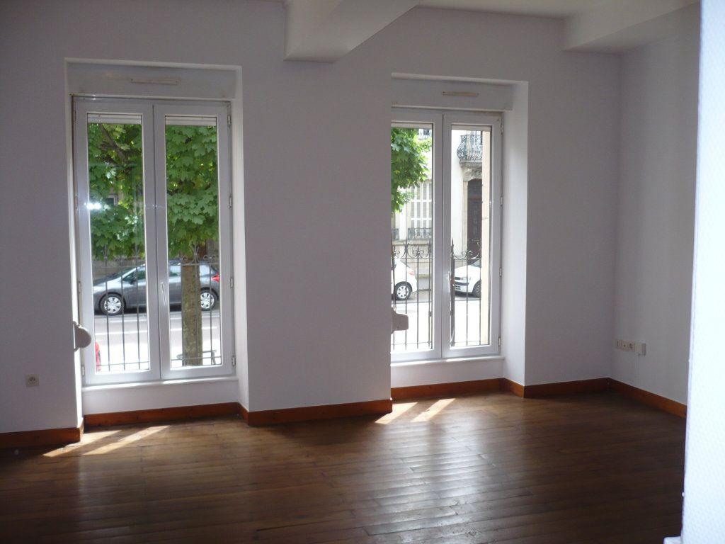 Appartement à louer 1 29m2 à Dijon vignette-1