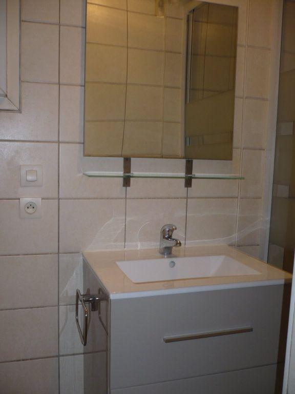 Appartement à louer 1 29m2 à Dijon vignette-2