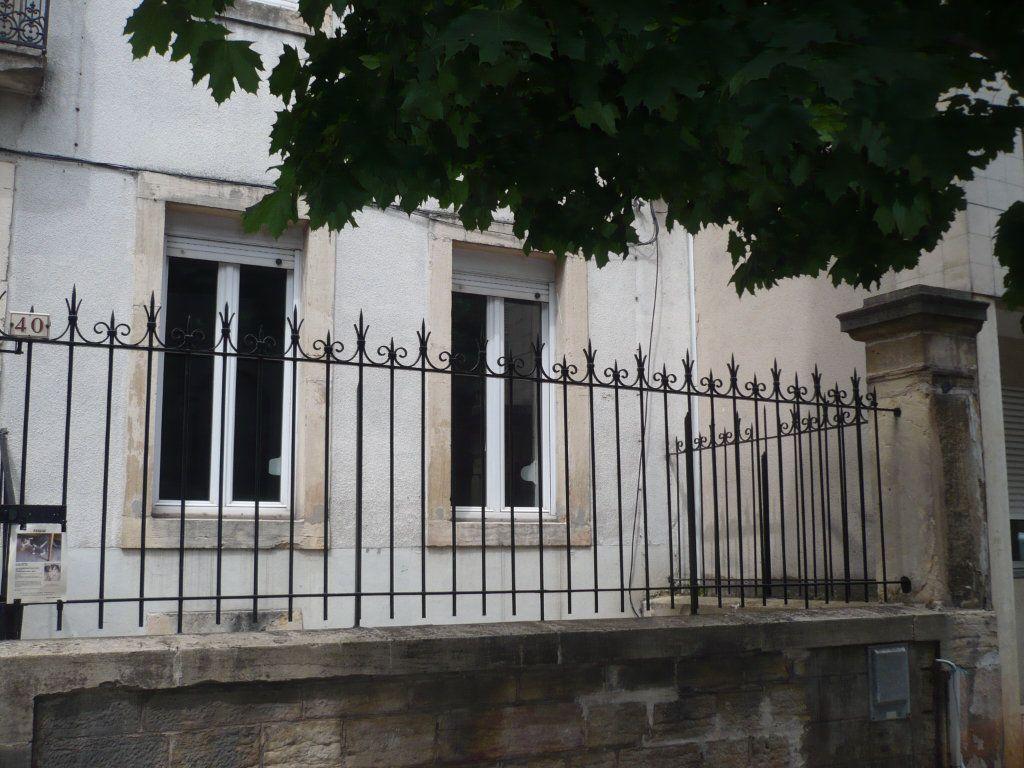 Appartement à louer 1 29m2 à Dijon vignette-3