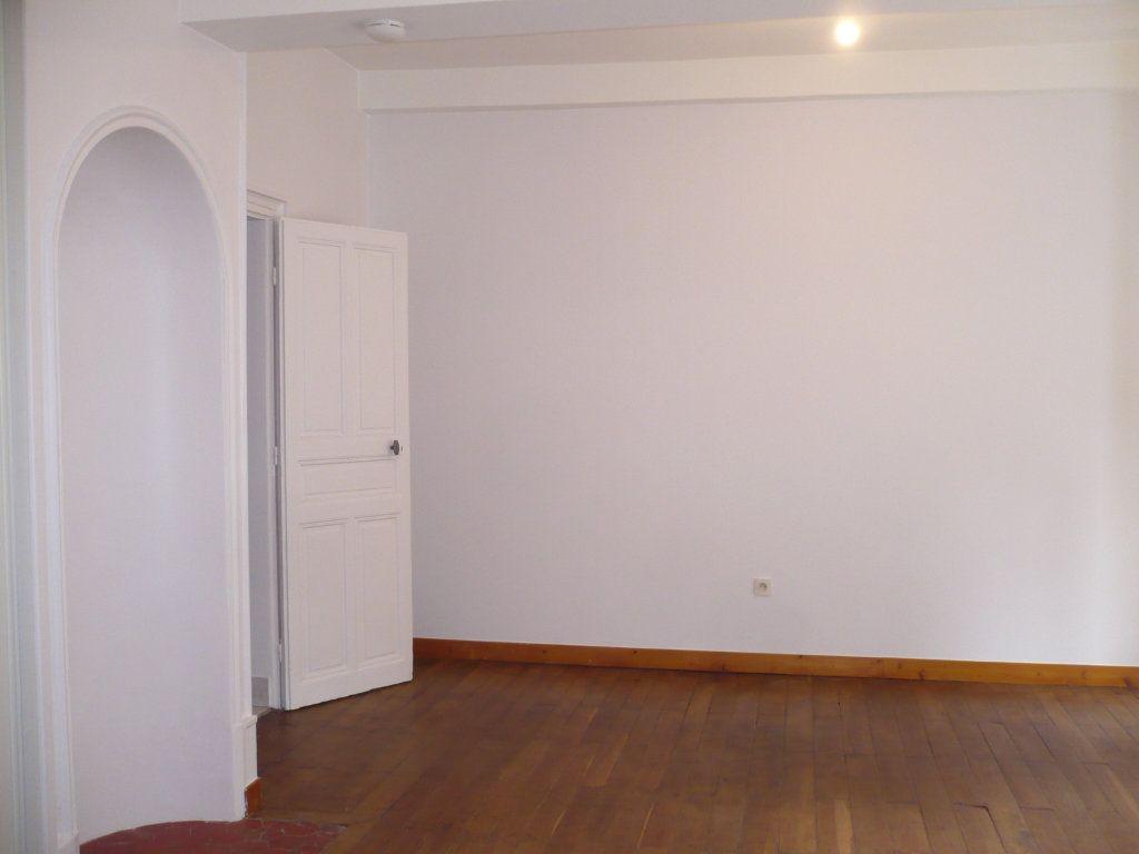 Appartement à louer 1 29m2 à Dijon vignette-4