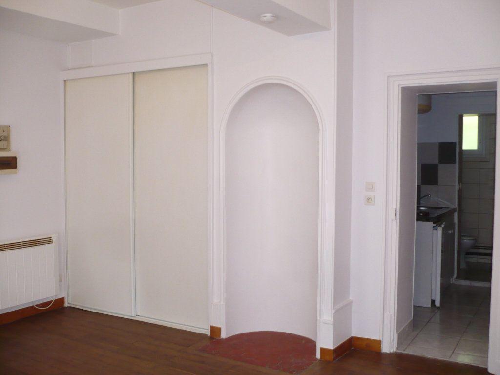Appartement à louer 1 29m2 à Dijon vignette-5