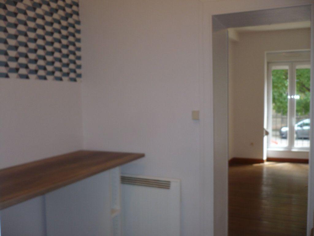 Appartement à louer 1 29m2 à Dijon vignette-7