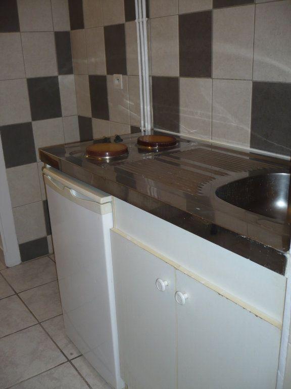 Appartement à louer 1 29m2 à Dijon vignette-8