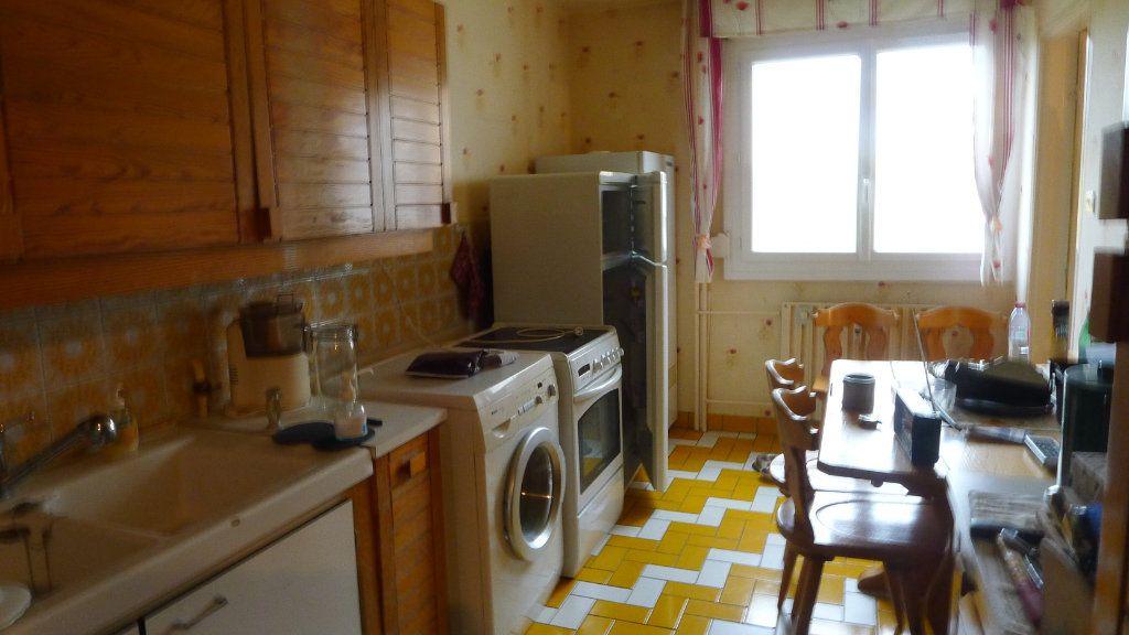 Appartement à vendre 5 92.97m2 à Dijon vignette-2