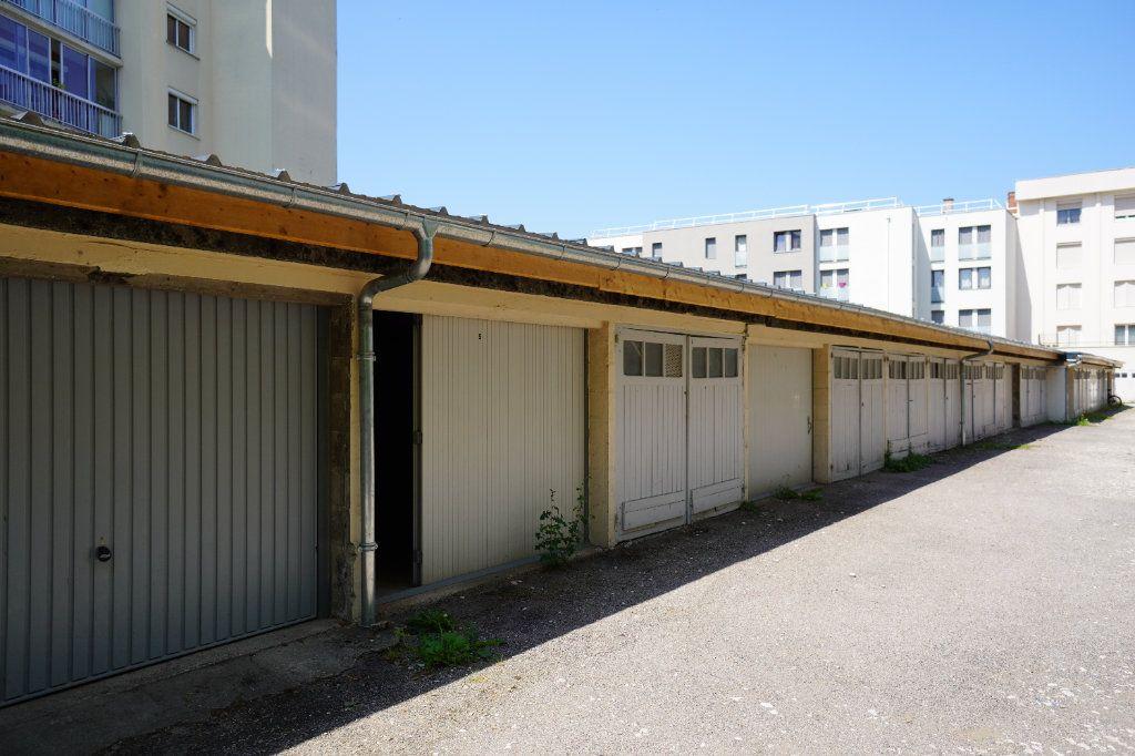 Appartement à louer 2 50.42m2 à Dijon vignette-2