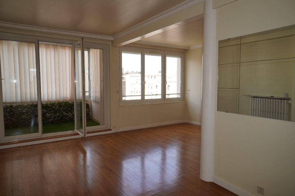 Appartement à louer 2 50.42m2 à Dijon vignette-3