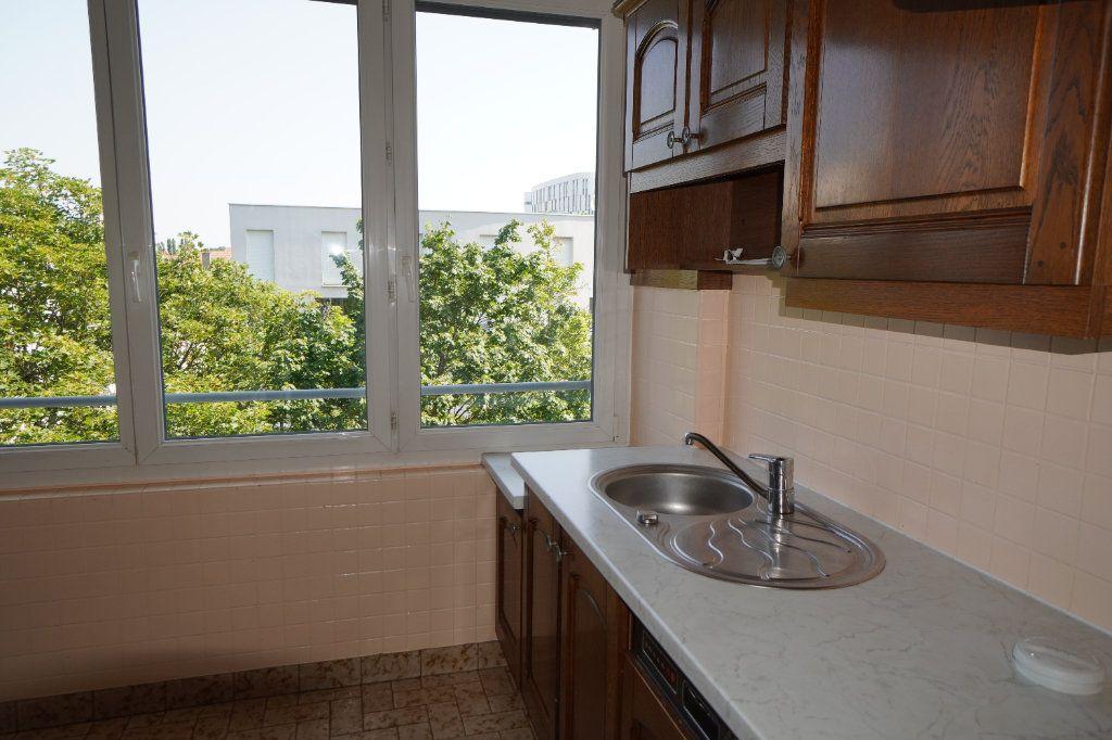 Appartement à louer 2 50.42m2 à Dijon vignette-4