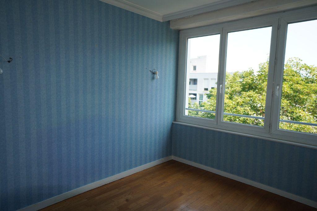 Appartement à louer 2 50.42m2 à Dijon vignette-5