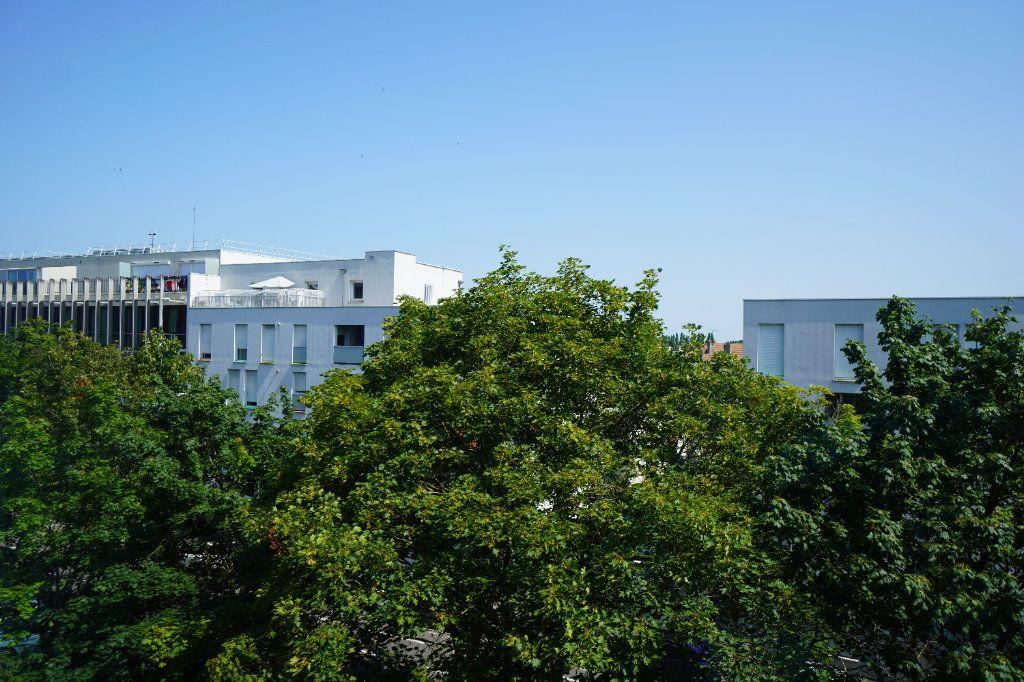 Appartement à louer 2 50.42m2 à Dijon vignette-8