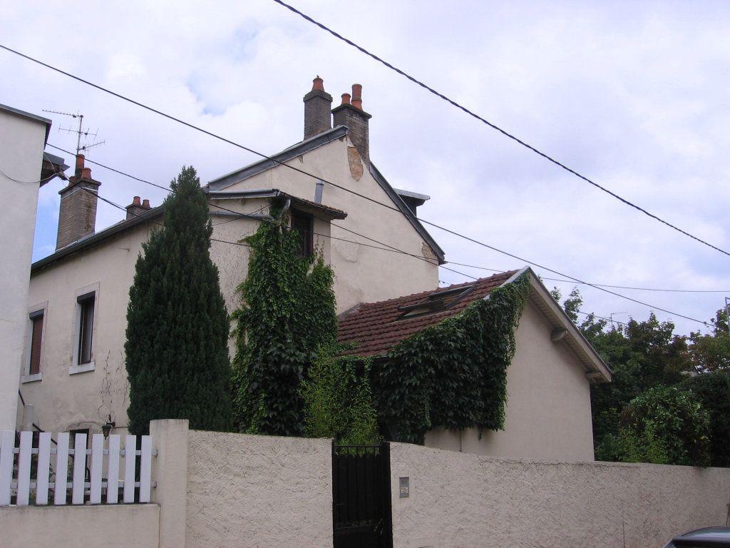 Appartement à louer 1 10.44m2 à Dijon vignette-1