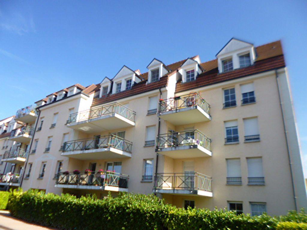 Appartement à louer 3 65.85m2 à Dijon vignette-1