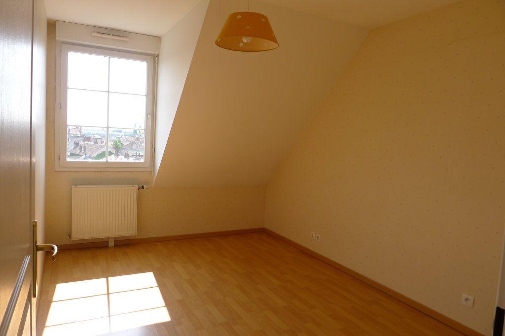 Appartement à louer 3 65.85m2 à Dijon vignette-4