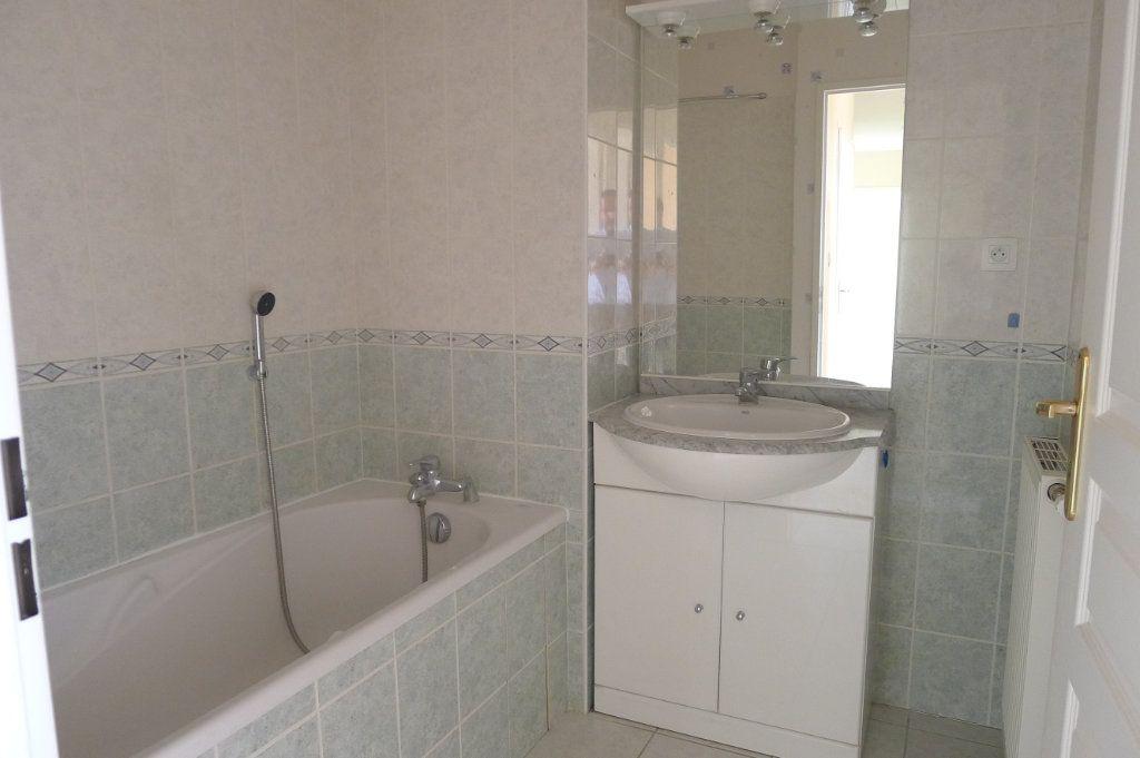 Appartement à louer 3 65.85m2 à Dijon vignette-6