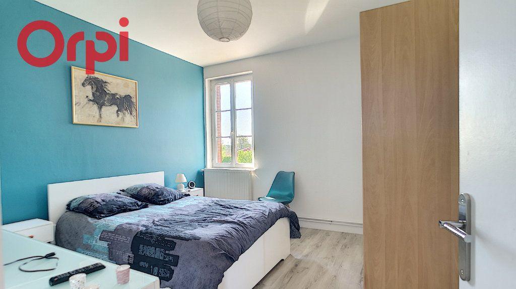 Appartement à vendre 4 98.78m2 à Saint-Étienne-du-Bois vignette-4