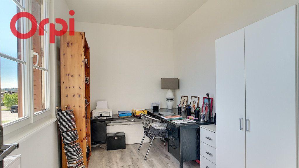 Appartement à vendre 4 98.78m2 à Saint-Étienne-du-Bois vignette-6