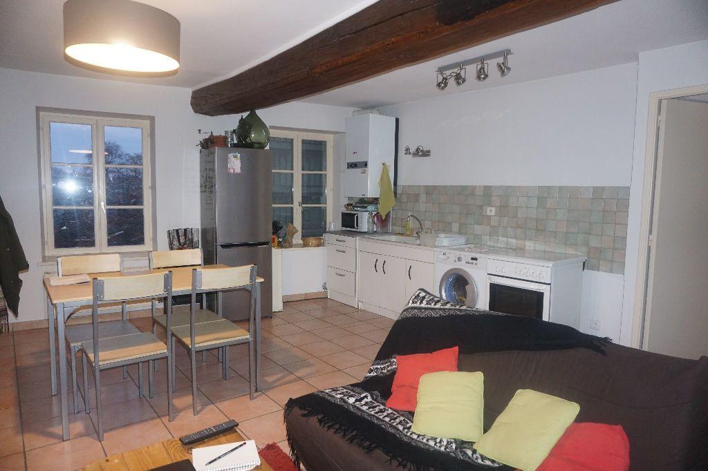Appartement à louer 3 50m2 à Pont-de-Vaux vignette-2