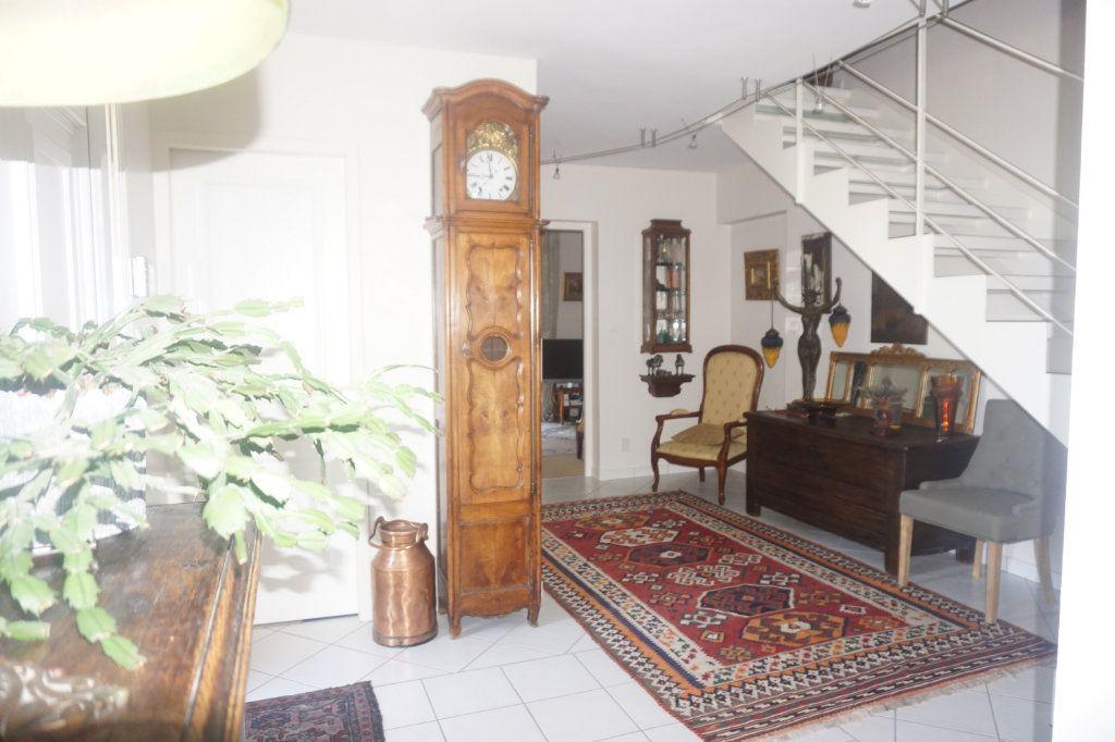 Maison à vendre 8 218m2 à Malafretaz vignette-4