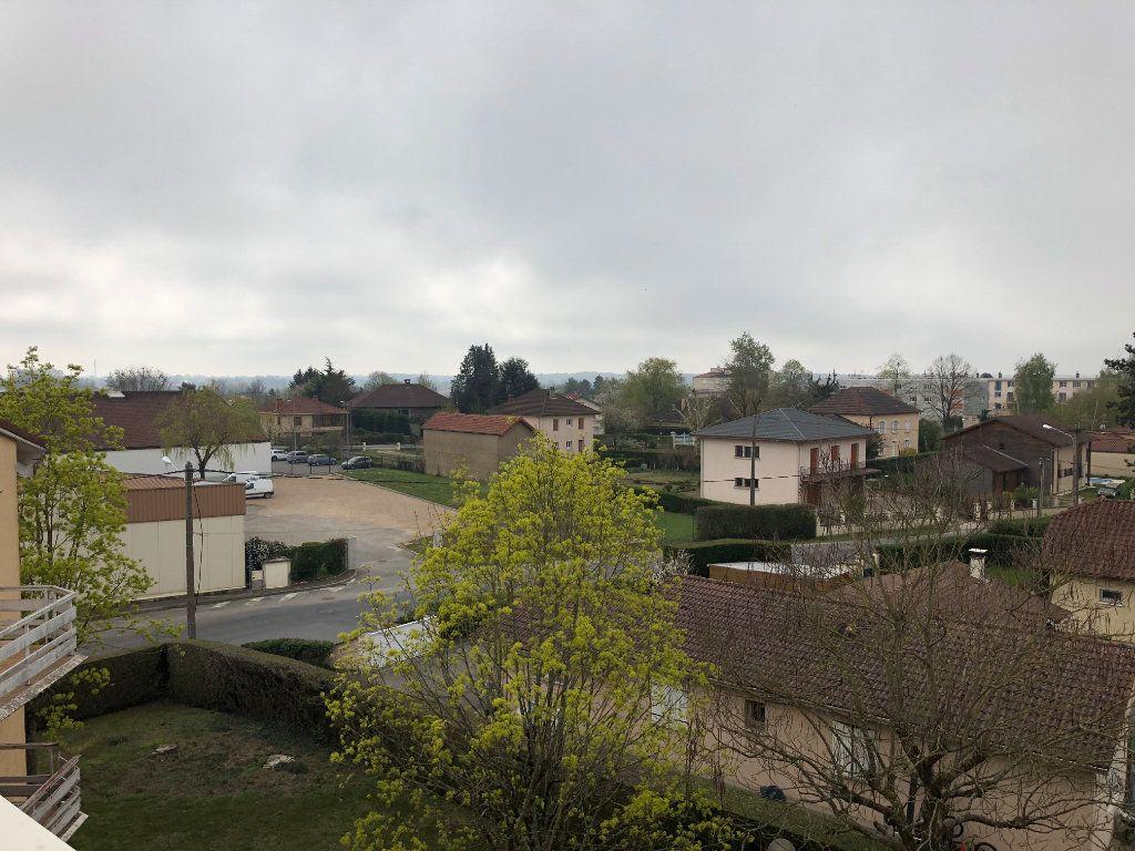 Appartement à vendre 4 80m2 à Montrevel-en-Bresse vignette-3