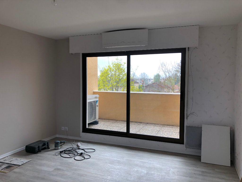 Appartement à vendre 4 80m2 à Montrevel-en-Bresse vignette-4