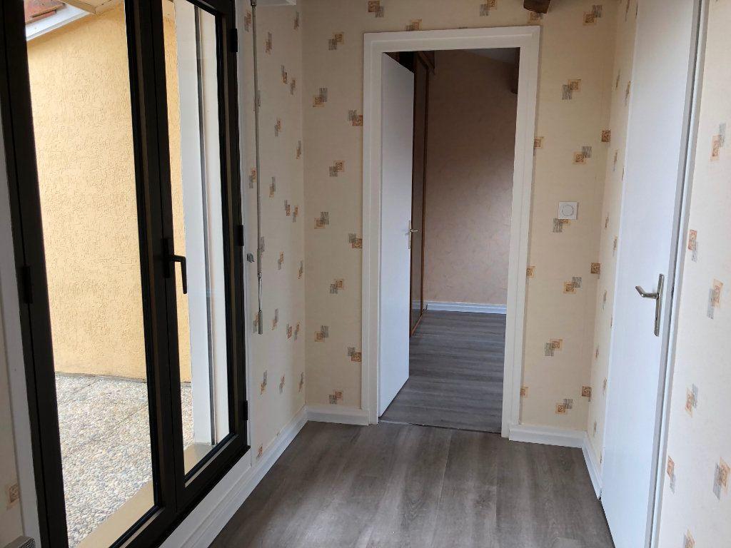 Appartement à vendre 4 80m2 à Montrevel-en-Bresse vignette-8