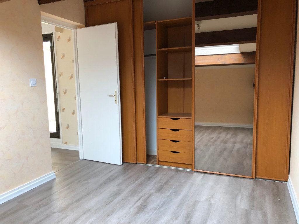 Appartement à vendre 4 80m2 à Montrevel-en-Bresse vignette-9