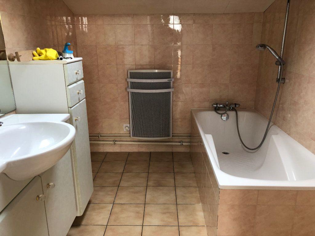 Appartement à vendre 4 80m2 à Montrevel-en-Bresse vignette-10