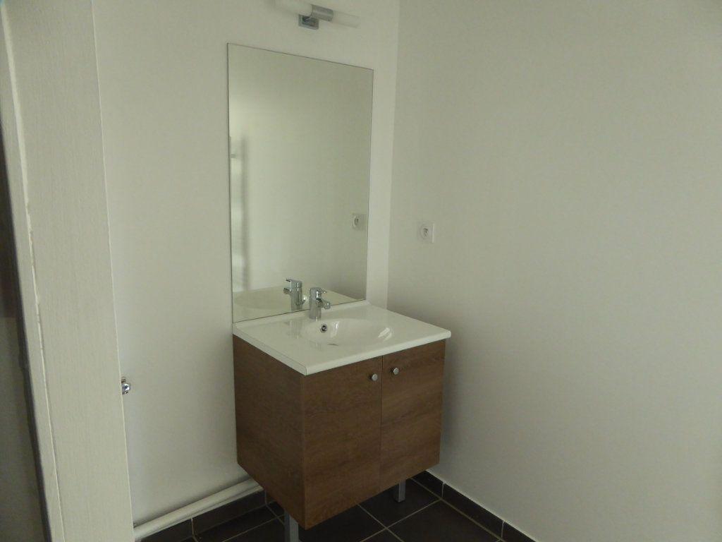 Appartement à vendre 4 75.48m2 à Montrevel-en-Bresse vignette-6