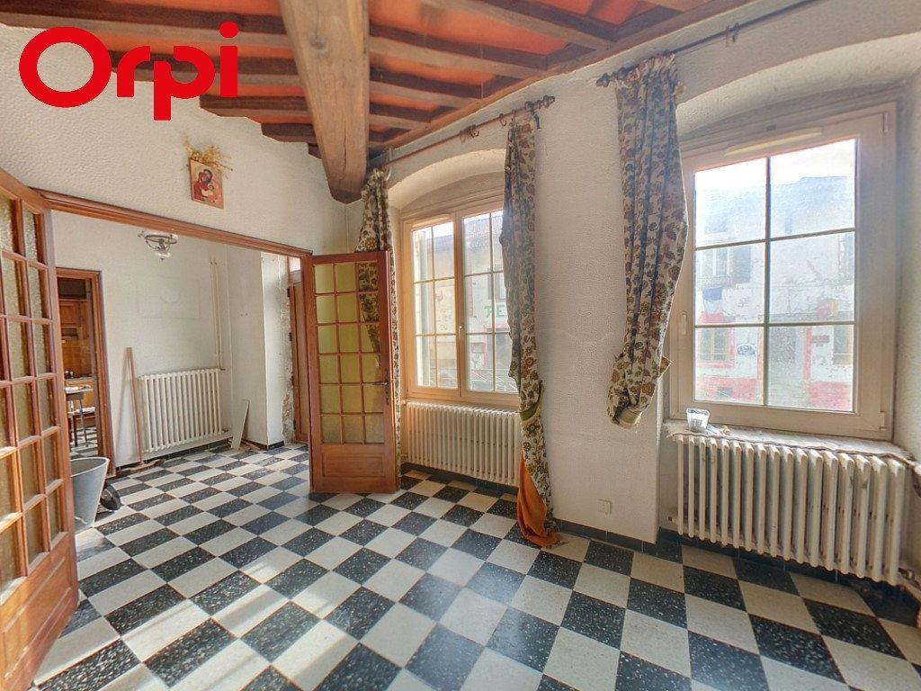 Appartement à vendre 5 121.25m2 à Saint-Étienne-du-Bois vignette-1
