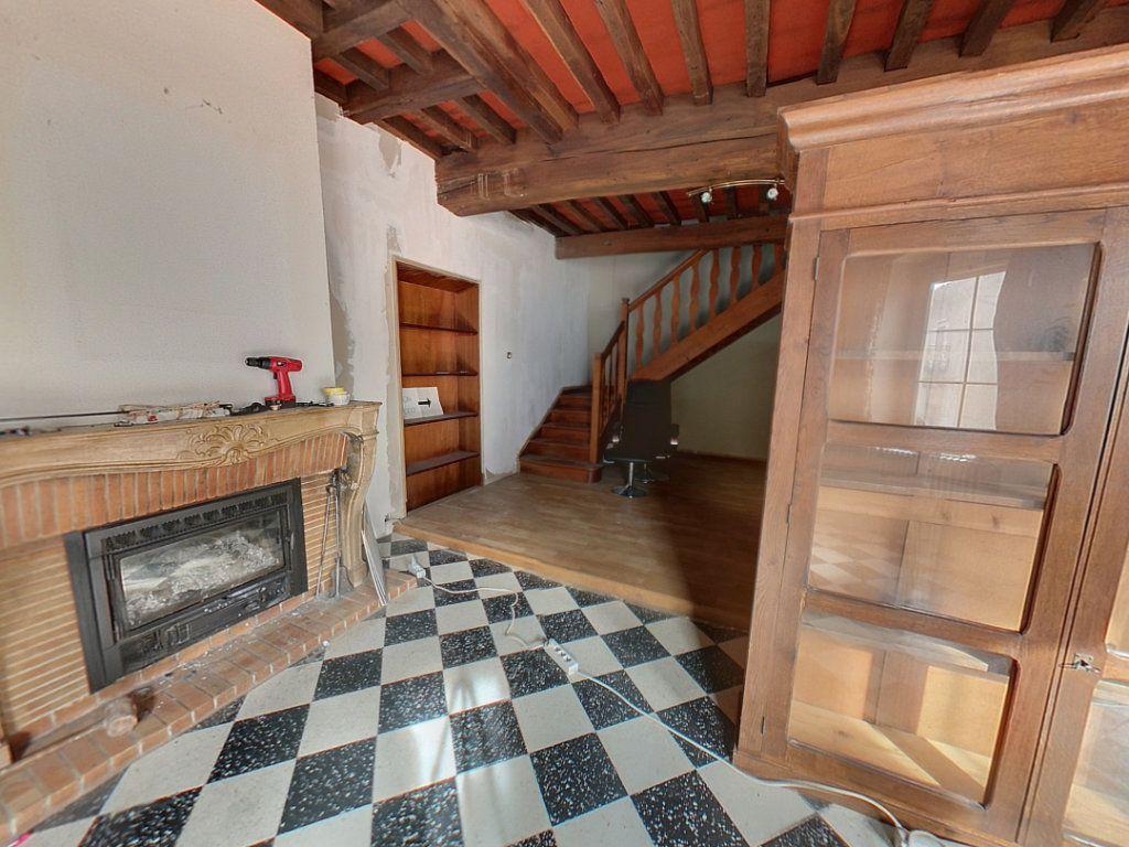 Appartement à vendre 5 121.25m2 à Saint-Étienne-du-Bois vignette-4