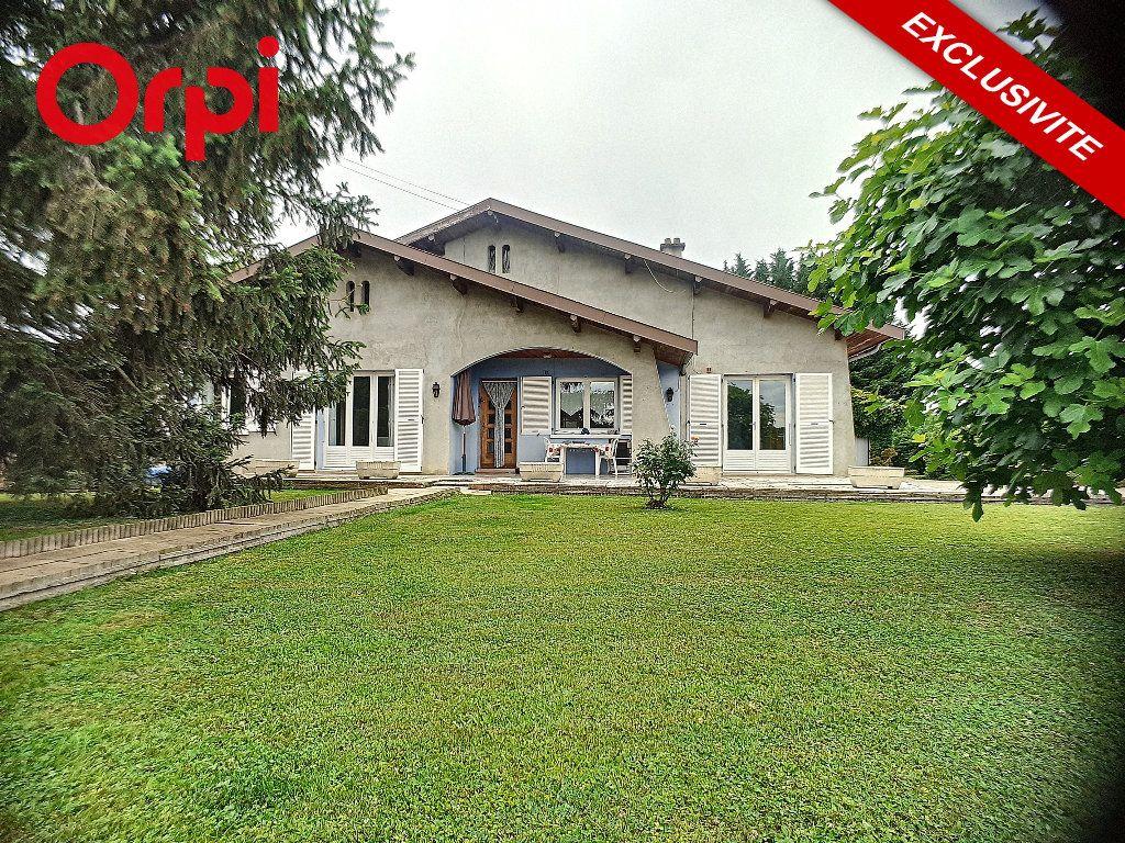Maison à vendre 5 104m2 à Foissiat vignette-1