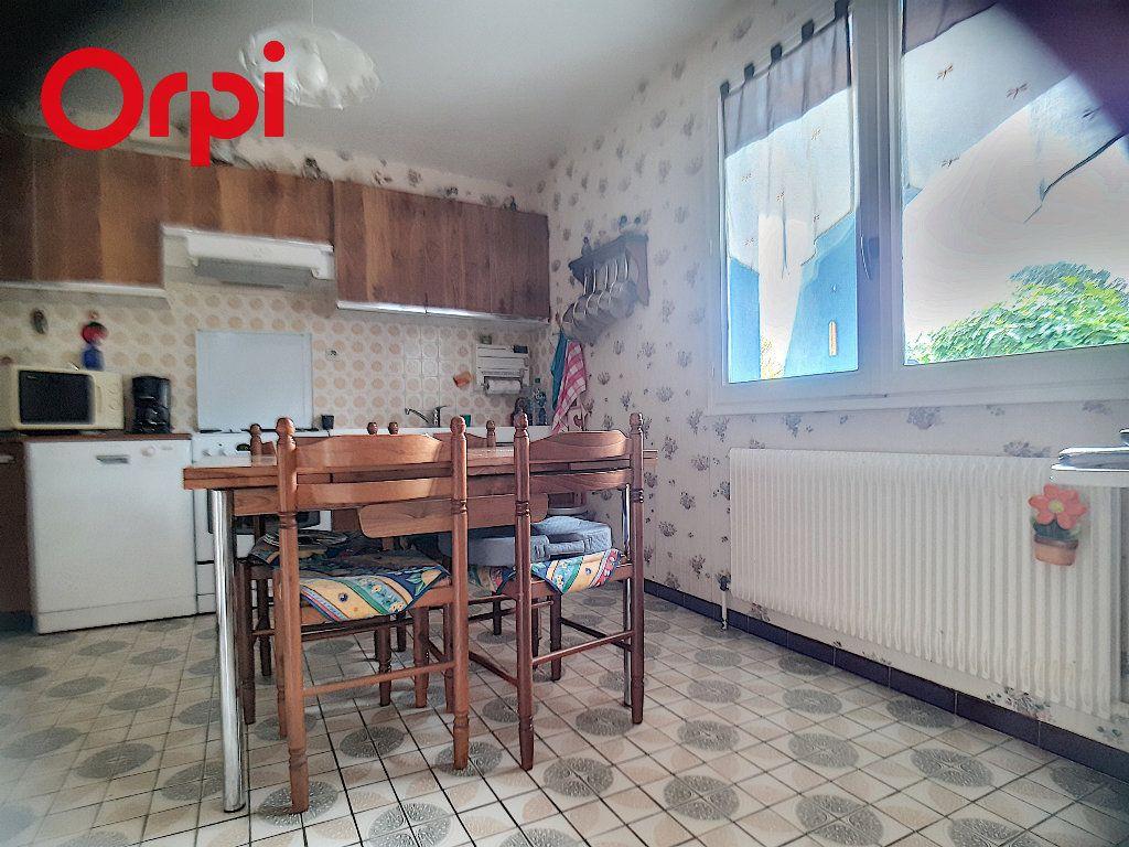 Maison à vendre 5 104m2 à Foissiat vignette-4
