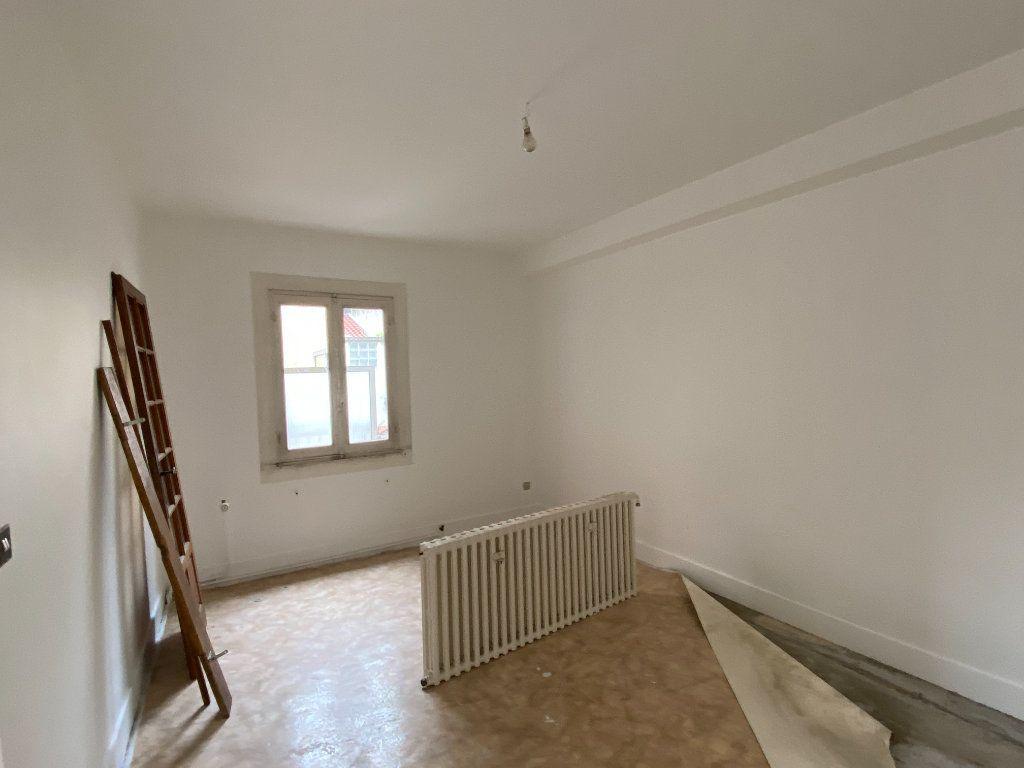 Maison à vendre 5 78m2 à Montrevel-en-Bresse vignette-3