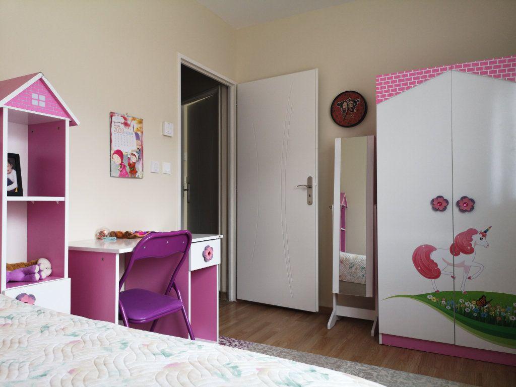 Maison à vendre 6 116.55m2 à Saint-Étienne-du-Bois vignette-5