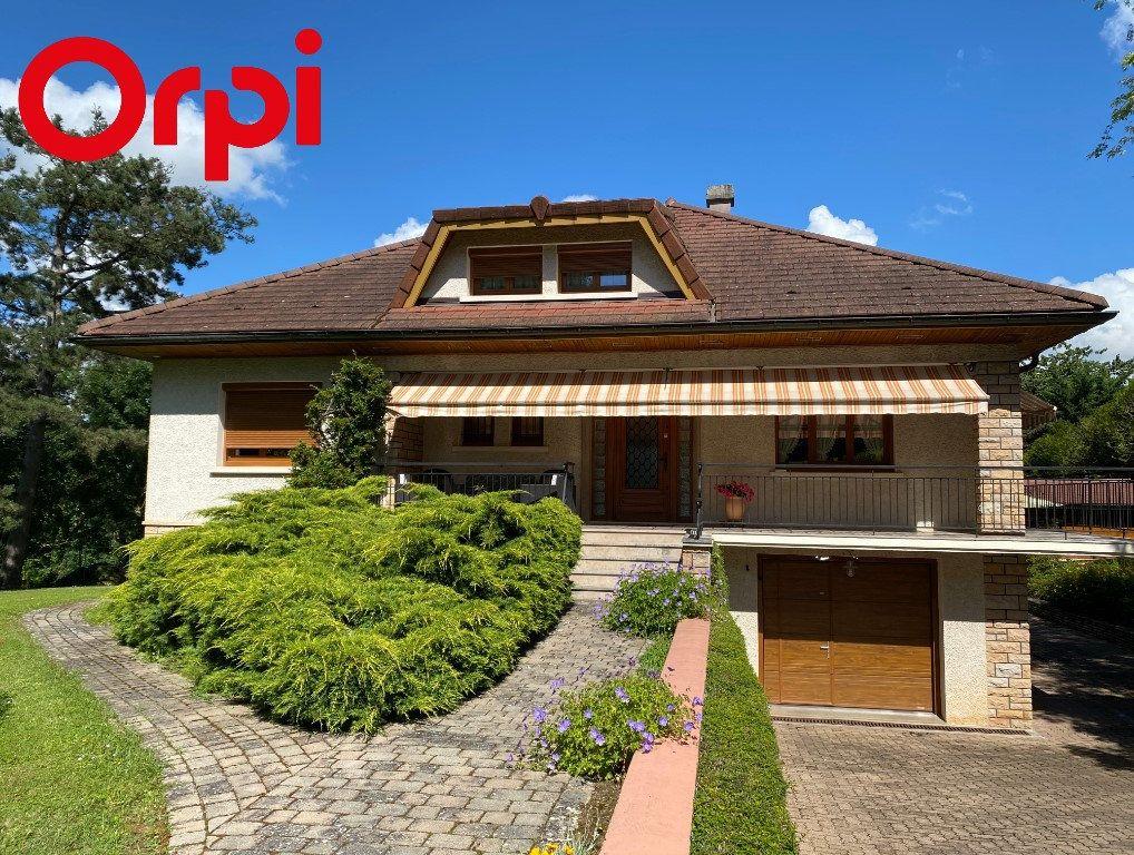 Maison à vendre 7 188m2 à Montrevel-en-Bresse vignette-1