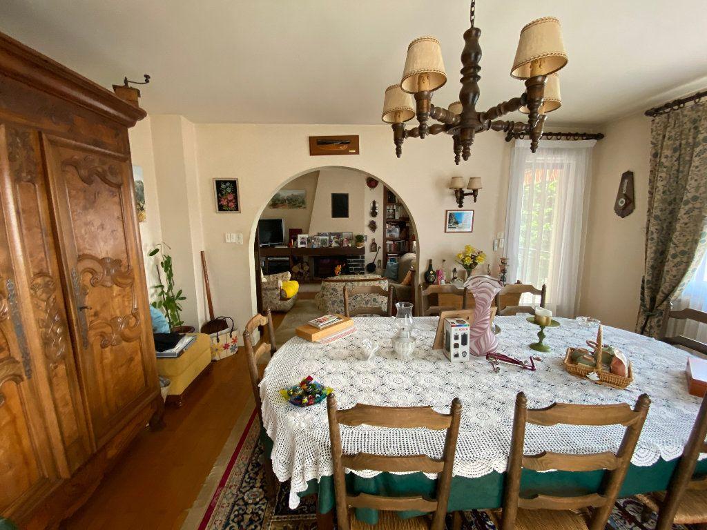 Maison à vendre 7 188m2 à Montrevel-en-Bresse vignette-4