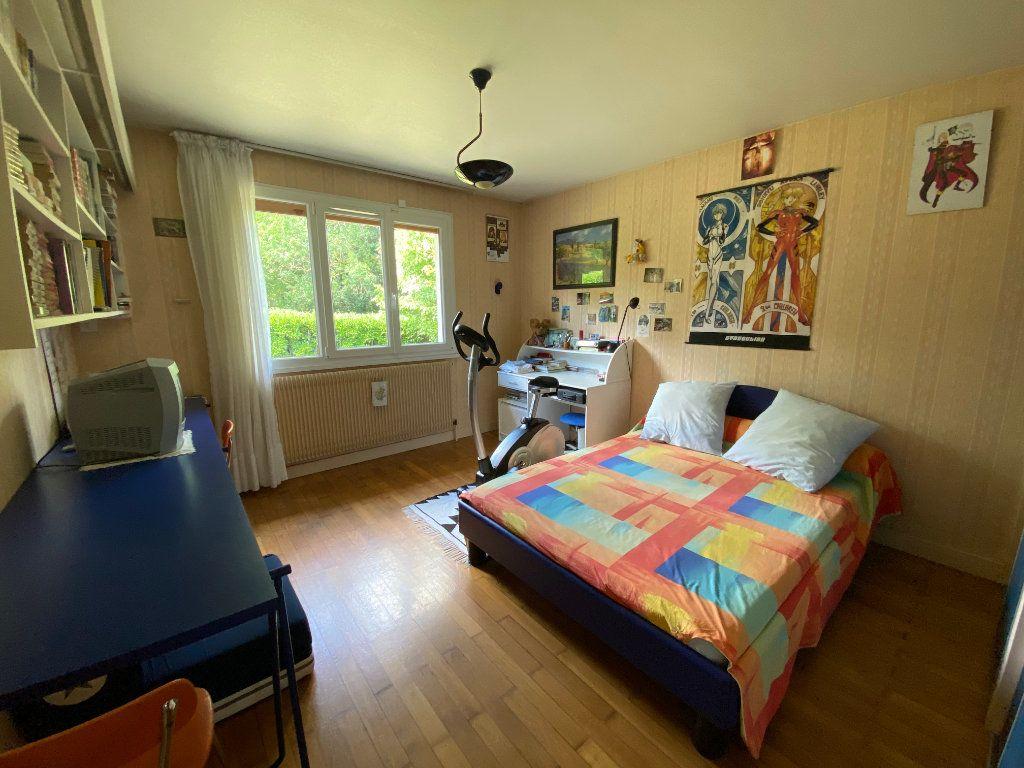 Maison à vendre 7 188m2 à Montrevel-en-Bresse vignette-6